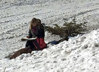 Cecelia-sketching-in-snow