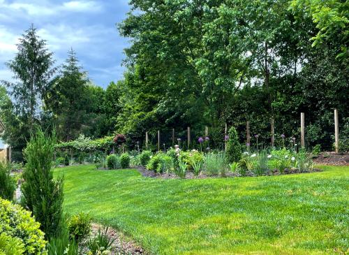 Garden-vista-best-may